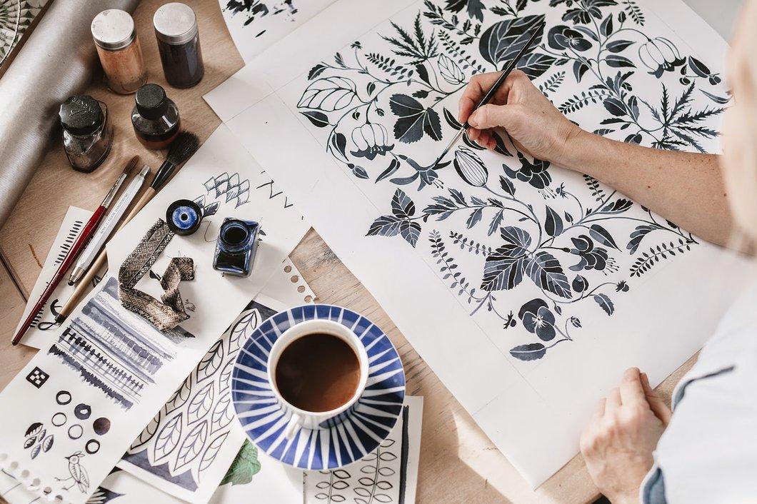 Эскизы дизайнера по текстилю Эммы фон Бремссен.