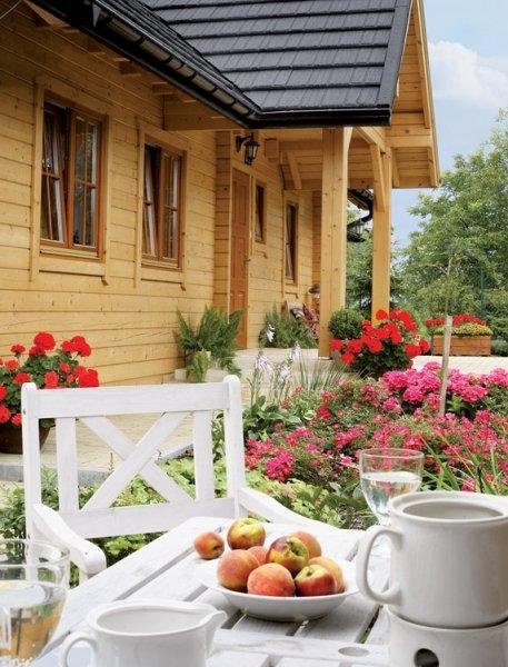 Фотография: Балкон, Терраса в стиле , Дом, Цвет в интерьере, Дома и квартиры, Городские места, Белый, Дача, Дом и дача – фото на INMYROOM