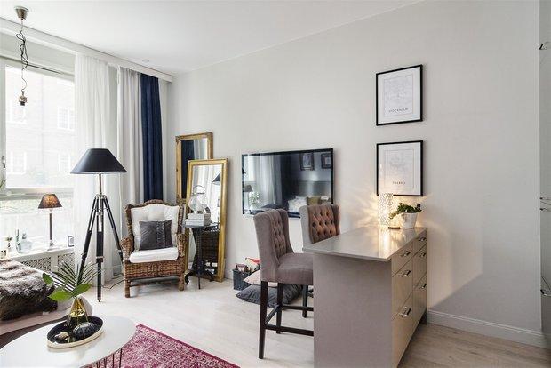 Фотография: Гостиная в стиле Скандинавский, Эклектика, Декор интерьера, Малогабаритная квартира, Квартира, Студия, Швеция, Стокгольм, Серый, до 40 метров – фото на INMYROOM