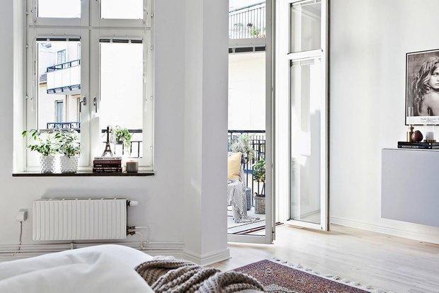 Фотография: Спальня в стиле Современный, Скандинавский, Декор интерьера, Квартира, Швеция, Мебель и свет, скандинавский интерьер, освещение в квартире, как выбрать освещение для комнаты, 3 комнаты, Более 90 метров – фото на INMYROOM