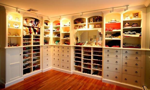 Фотография: Кухня и столовая в стиле Классический, Гардеробная, Декор интерьера, Квартира, Дом, Планировки, Перепланировка – фото на INMYROOM