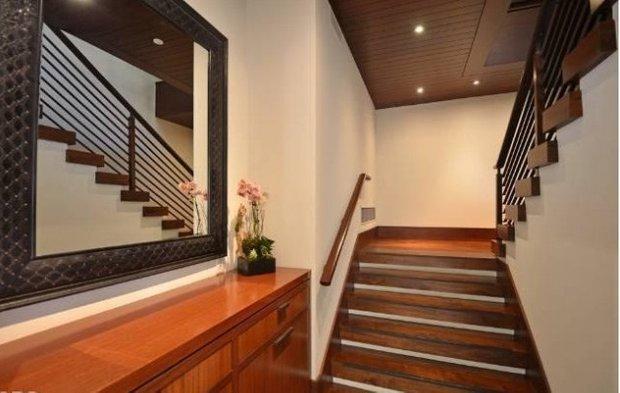 Фотография: Прихожая в стиле Классический, Современный, Дом, Дома и квартиры, Интерьеры звезд – фото на INMYROOM