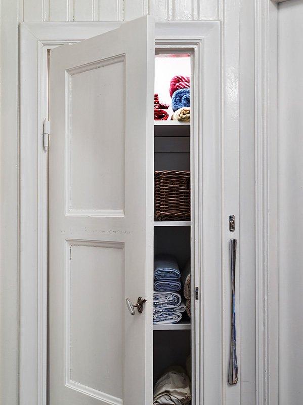 Фотография:  в стиле Скандинавский, Малогабаритная квартира, Квартира, Цвет в интерьере, Дома и квартиры, Белый, Гетеборг, 2 комнаты, 40-60 метров – фото на InMyRoom.ru