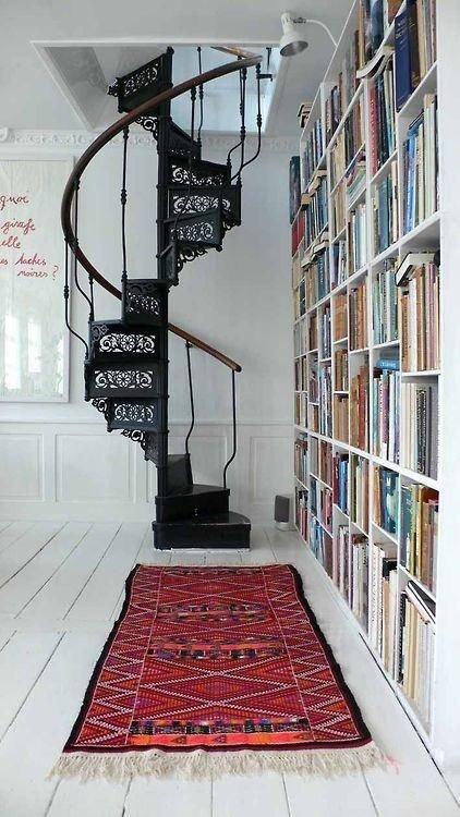 Фотография: Прочее в стиле Скандинавский, Архитектура, Декор, Мебель и свет, Ремонт на практике, Никита Морозов, освещение для лестницы, какую выбрать лестницу, какие бывают лестницы, прямая лестница, винтовая лестница, лестница на больцах, подвесная лестница, ограждение для лестниц, как украсить лестницу – фото на INMYROOM