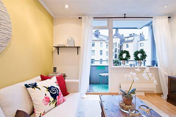 Фотография: Спальня в стиле , Балкон, Декор интерьера – фото на INMYROOM