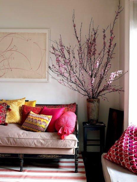 Фотография: Мебель и свет в стиле Прованс и Кантри, Восточный, Декор интерьера, Советы, Белый, как оформить пустой угол, пустой угол в квартире – фото на INMYROOM