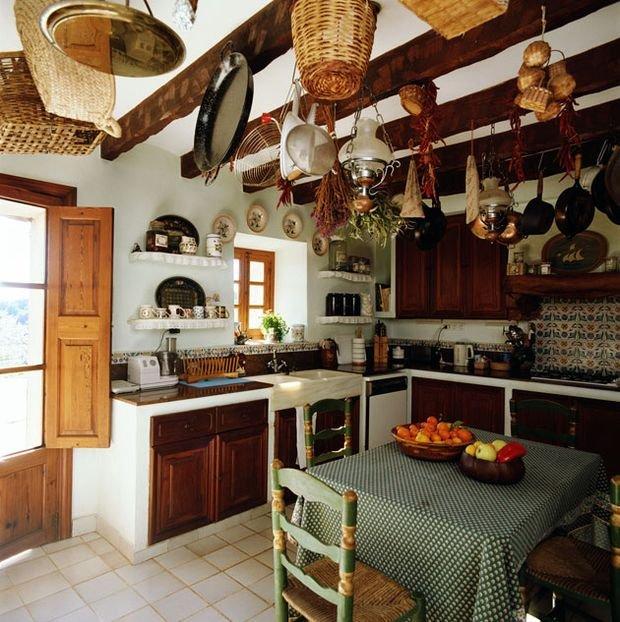 Фотография: Кухня и столовая в стиле Прованс и Кантри, Декор интерьера, Квартира, Дом, Декор, Особняк – фото на INMYROOM