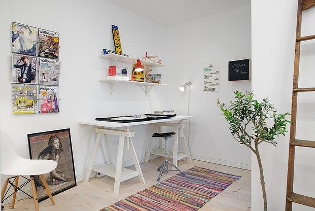 Фотография: Офис в стиле Скандинавский, Современный, Малогабаритная квартира, Квартира, Швеция, Мебель и свет, Дома и квартиры, Белый – фото на INMYROOM