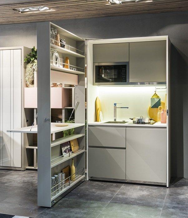 Фотография:  в стиле , Советы, Мебель-трансформер, маленькая гостиная, идеи для маленькой кухни, Степан Бугаев, идеи планировки маленькой кухни, кровать-трансформер, зонирование комнаты, хранение вещей в малогабаритке, система хранения в интерьере, идеи для малогабариток, мебель-трансформер в студии, идеи обустройства узкой кухни, «Победа дизайна», хранение вещей, хранение книг в небольшой квартире, система хранения в малогабаритке, идеи для малогабаритки, как организовать систему хранения на кухне, организация хранения, как визуально увеличить площадь малогабаритки, организация системы хранения на кухни, встроенный шкаф, идеи для домашней библиотеки, хранение вещей в квартире, система хранения в квартире, маленькие комнаты, Bibliochase – фото на INMYROOM