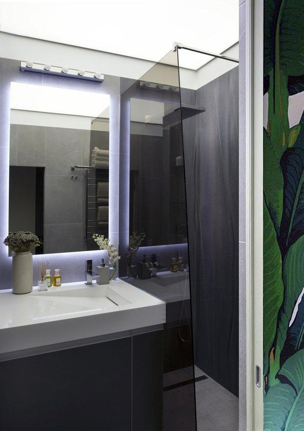 Фотография: Ванная в стиле Современный, Квартира, Советы, Samsung, 1 комната, до 40 метров, Монолитно-кирпичный, the frame – фото на INMYROOM