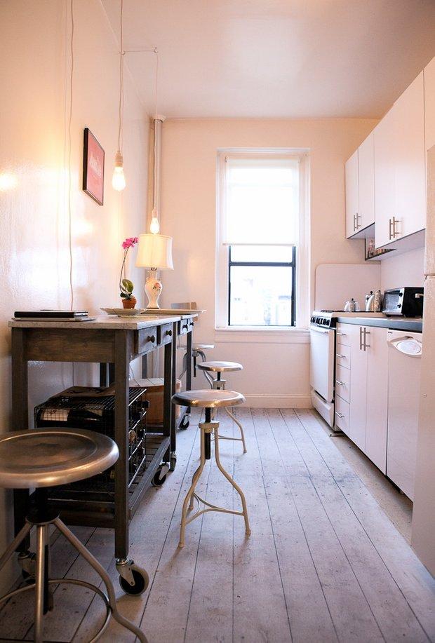Фотография: Кухня и столовая в стиле Современный, Малогабаритная квартира, Квартира, Дома и квартиры, Нью-Йорк – фото на INMYROOM
