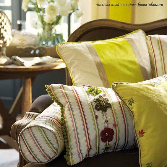 Фотография: Спальня в стиле Минимализм, Декор интерьера, Декор дома, Подушки, Вышивка – фото на INMYROOM