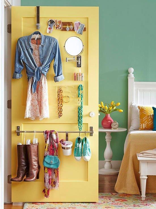 Фотография: Спальня в стиле Прованс и Кантри, Прочее, Советы, ламинат, хранение – фото на INMYROOM