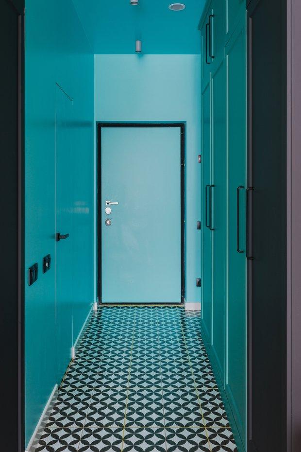 Фотография: Прихожая в стиле Современный, Эклектика, Малогабаритная квартира, небольшая спальня – фото на INMYROOM