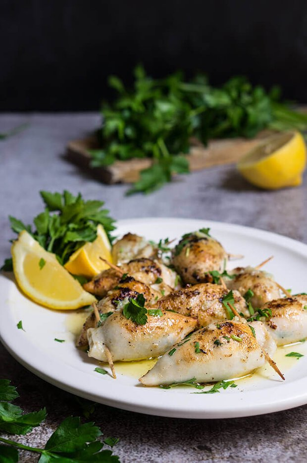 Фотография:  в стиле , Основное блюдо, Жарить, Кулинарные рецепты, 30 минут, Европейская кухня, Просто, Кальмары – фото на INMYROOM