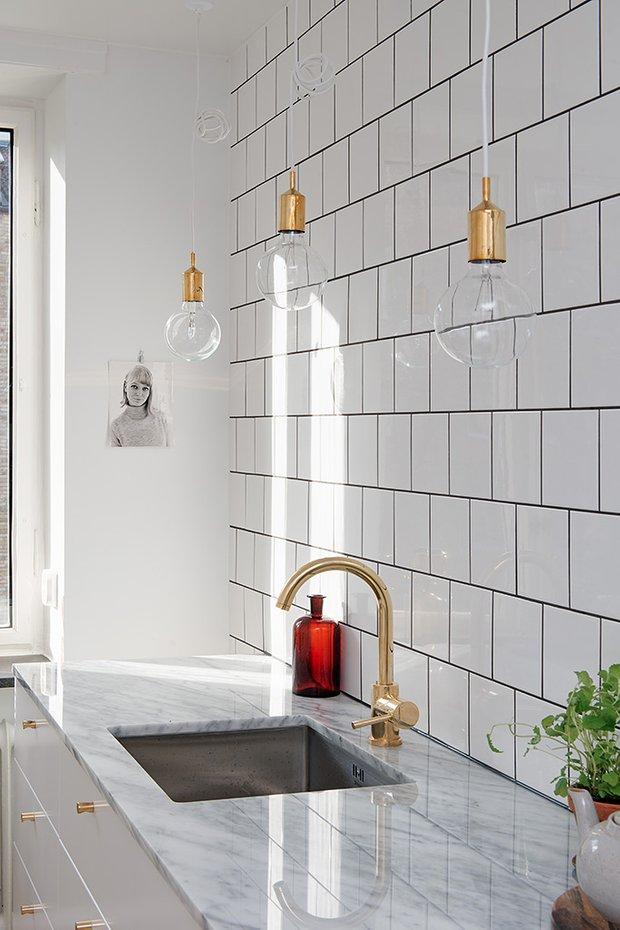Фотография: Кухня и столовая в стиле Лофт, Декор интерьера, Дизайн интерьера, Цвет в интерьере, Советы, Белый – фото на INMYROOM