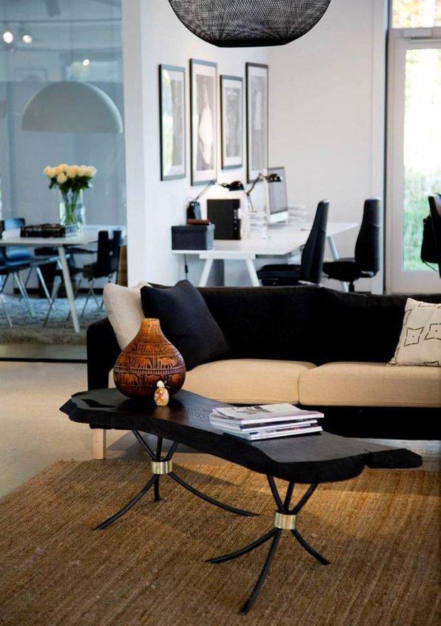 Фотография: Гостиная в стиле Эклектика, Декор интерьера, Мебель и свет, Журнальный столик – фото на INMYROOM