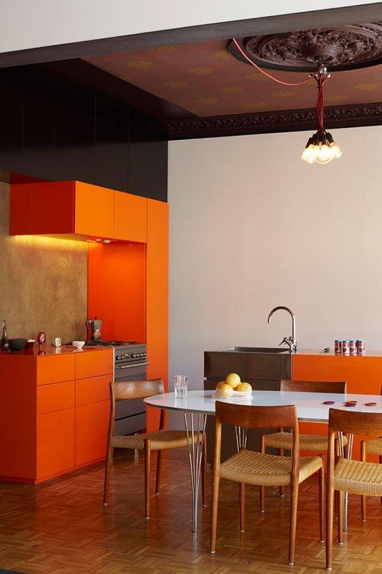 Фотография: Кухня и столовая в стиле Прованс и Кантри, Классический, Современный, Эклектика, Декор интерьера, Дизайн интерьера, Цвет в интерьере, Оранжевый – фото на INMYROOM