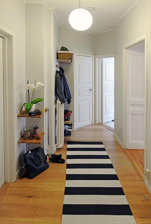 Фотография: Прихожая в стиле Скандинавский, Современный, Малогабаритная квартира, Квартира, Швеция, Мебель и свет, Дома и квартиры, Гетеборг – фото на INMYROOM