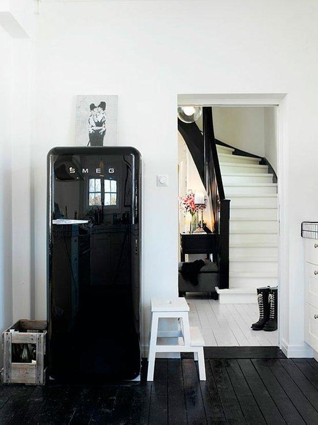 Фотография:  в стиле , Архитектура, Советы, энергоэффективный дом, утепленный фундамент дома, окна с тройным стеклопакетом, двускатная крыша дома, вентиляция в доме – фото на INMYROOM