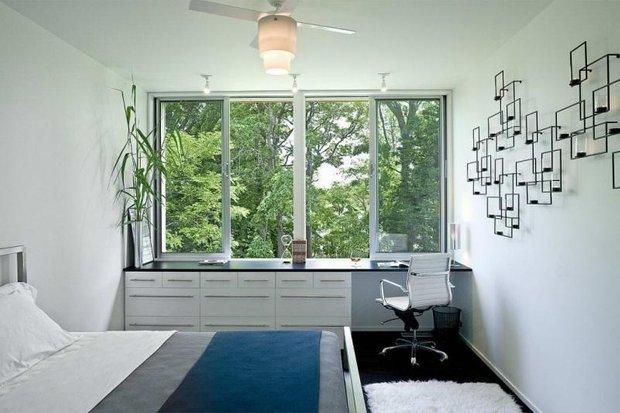 Фотография: Спальня в стиле Современный, Декор интерьера, Квартира, Декор, Советы, Подоконник, Окно – фото на INMYROOM