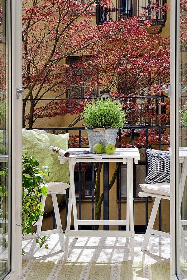 Фотография: Балкон, Терраса в стиле , Кухня и столовая, Скандинавский, Интерьер комнат, Проект недели – фото на InMyRoom.ru