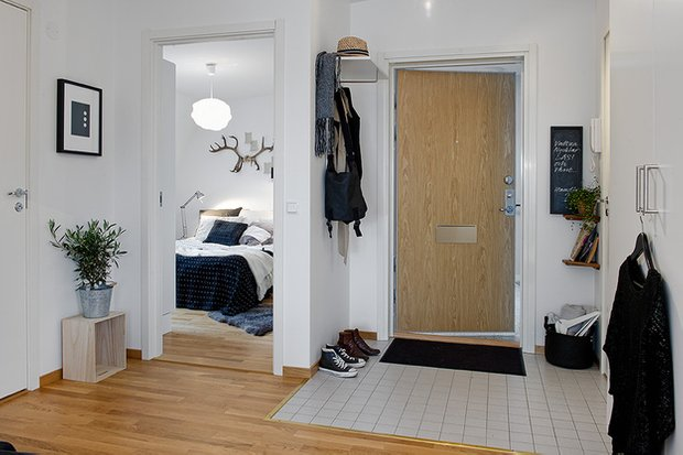 Фотография: Прихожая в стиле Скандинавский, Кухня и столовая, Малогабаритная квартира, Квартира, Дома и квартиры – фото на INMYROOM