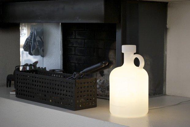 Фотография: Мебель и свет в стиле Современный, Eero Aarnio, Индустрия, Люди – фото на INMYROOM