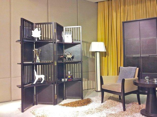 Фотография: Мебель и свет в стиле Прованс и Кантри, Спальня, Малогабаритная квартира, Квартира, Дома и квартиры, Советы, Перепланировка, Кровать, Подиум, Ширма – фото на INMYROOM