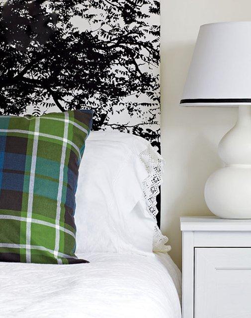 Фотография: Спальня в стиле Классический, Современный, Декор интерьера, Дом, Цвет в интерьере, Дома и квартиры, Стены, Синий – фото на INMYROOM