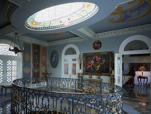 Фотография:  в стиле Классический, Дома и квартиры, Интерьеры звезд – фото на InMyRoom.ru