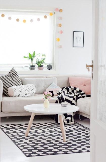 Фотография: Гостиная в стиле Скандинавский, Декор интерьера, Квартира, Дом, Аксессуары, Декор – фото на INMYROOM