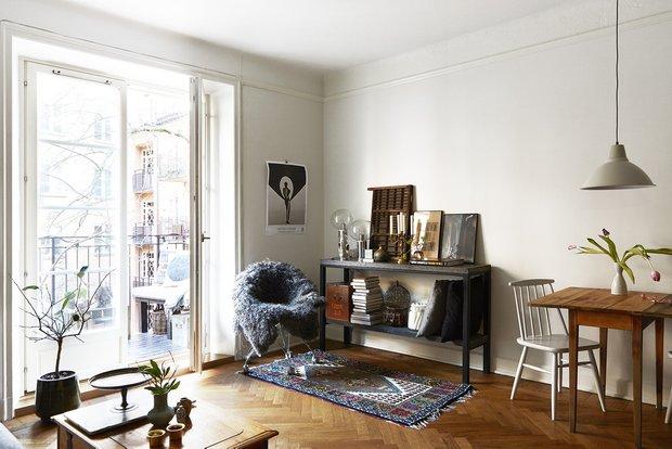 Фотография: Гостиная в стиле Скандинавский, Декор интерьера, Малогабаритная квартира, Квартира, Мебель и свет – фото на INMYROOM