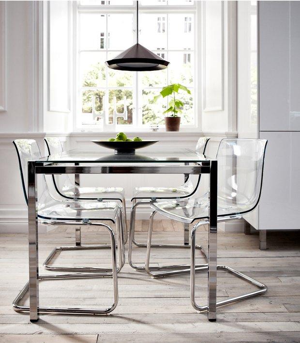 Фотография: Кухня и столовая в стиле Хай-тек, Декор интерьера, Советы, стекло в интерьере, пластик в интерьере, интерьерный тренд, тенденция – фото на INMYROOM