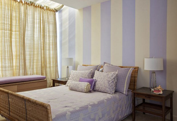 Фотография: Спальня в стиле , Декор интерьера, Малогабаритная квартира, Квартира, Дома и квартиры, Советы, Зеркало – фото на InMyRoom.ru