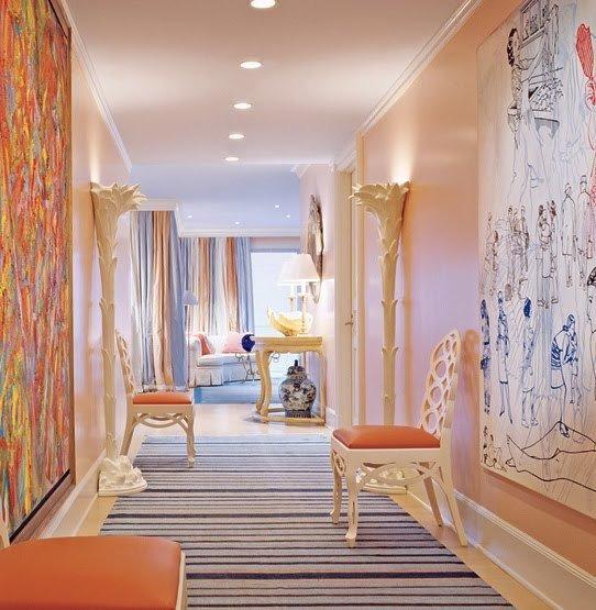 Фотография: Прихожая в стиле Современный, Эклектика, Декор интерьера, Дизайн интерьера, Мебель и свет, Цвет в интерьере, Стены, Розовый, Фуксия – фото на INMYROOM