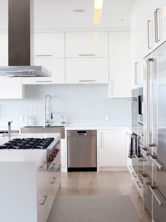 Фотография: Кухня и столовая в стиле Скандинавский, Современный, Интерьер комнат, Бытовая техника – фото на INMYROOM
