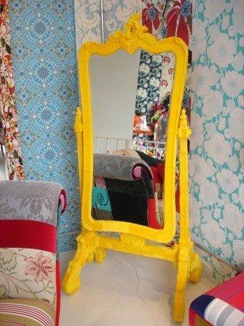 Фотография:  в стиле , Спальня, Интерьер комнат, Кровать, Гардероб, Комод, Пуф, Табурет – фото на INMYROOM