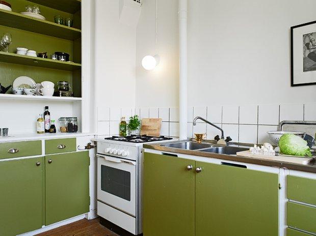 Фотография: Кухня и столовая в стиле Скандинавский, Малогабаритная квартира, Квартира, Швеция, Дома и квартиры, Минимализм – фото на INMYROOM