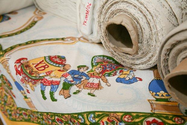 Фотография: Кухня и столовая в стиле Прованс и Кантри, Текстиль, Индустрия, События, Ткани – фото на INMYROOM
