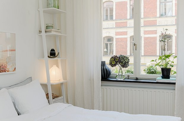 Фотография: Спальня в стиле Скандинавский, Современный, Малогабаритная квартира, Квартира, Швеция, Дома и квартиры – фото на INMYROOM