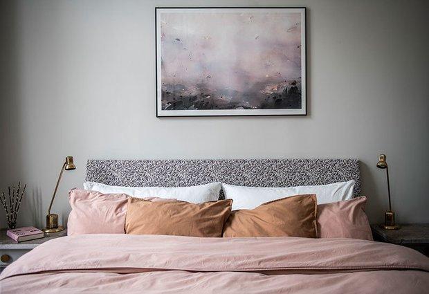 Фотография: Спальня в стиле Скандинавский, Современный, Эклектика, Декор интерьера, Квартира, Белый, Черный, 2 комнаты, 60-90 метров – фото на INMYROOM