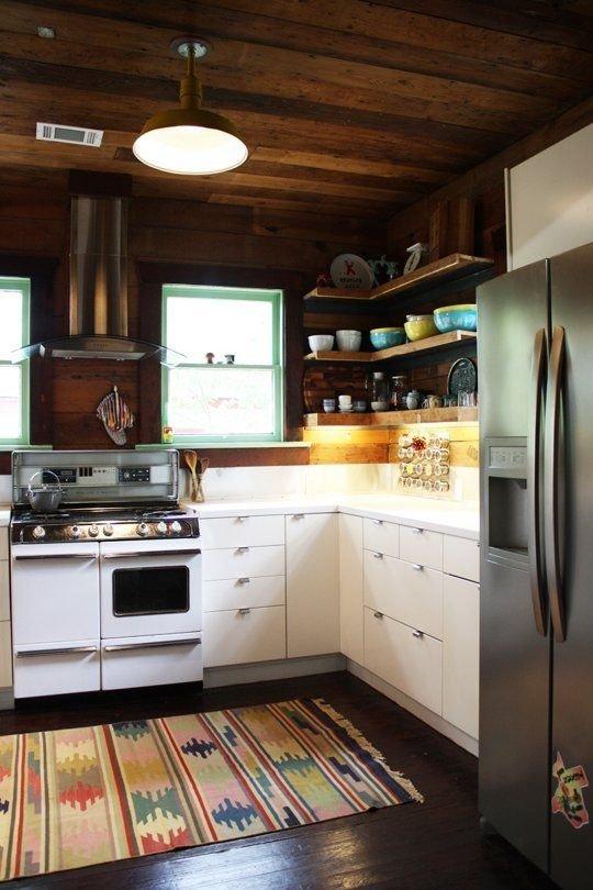 Фотография: Кухня и столовая в стиле Прованс и Кантри, Лофт, Интерьер комнат – фото на INMYROOM