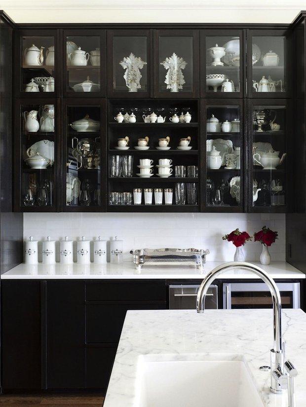 Фотография: Кухня и столовая в стиле Современный, Восточный, Интерьер комнат, Цвет в интерьере, Белый – фото на INMYROOM