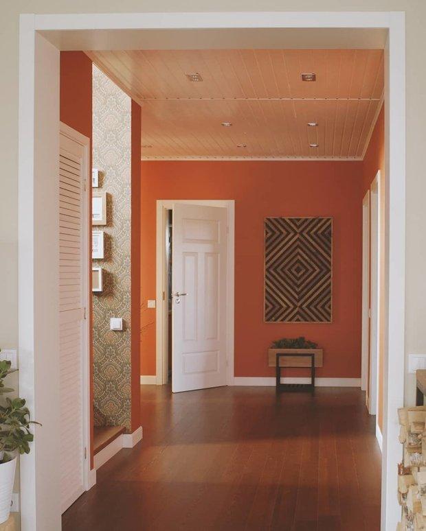 Мне очень нравятся теплые природные оттенки: бежевый, терракотовый, зеленый, коричневый. Они окутывают, согревают, делают дом уютным.
