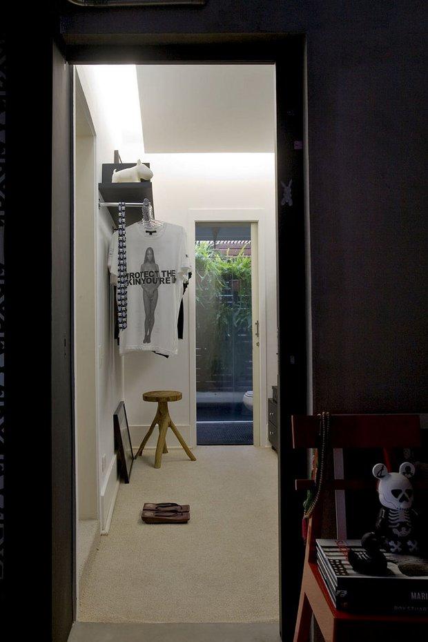 Фотография: Прихожая в стиле Современный, Квартира, Дома и квартиры, Интерьеры звезд – фото на INMYROOM