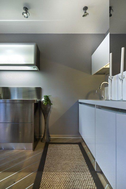 Фотография: Кухня и столовая в стиле Современный, Хай-тек, Декор интерьера, Интерьер комнат, Проект недели – фото на InMyRoom.ru