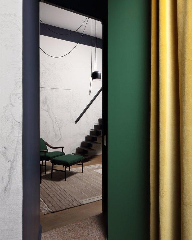 Фотография:  в стиле , Гостиная, Эклектика, Декор интерьера, Франция, Зеленый, Желтый, Коричневый, Лион, Клод Картье – фото на INMYROOM