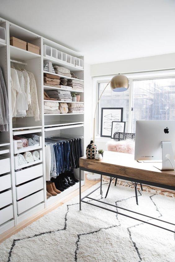 Фотография: Гардеробная в стиле Современный, Советы, Гардероб, уборка, хранение в маленькой гардеробной – фото на INMYROOM