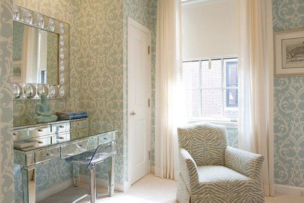 Фотография: Спальня в стиле Эклектика, Квартира, Дома и квартиры, Пентхаус, Картины – фото на InMyRoom.ru